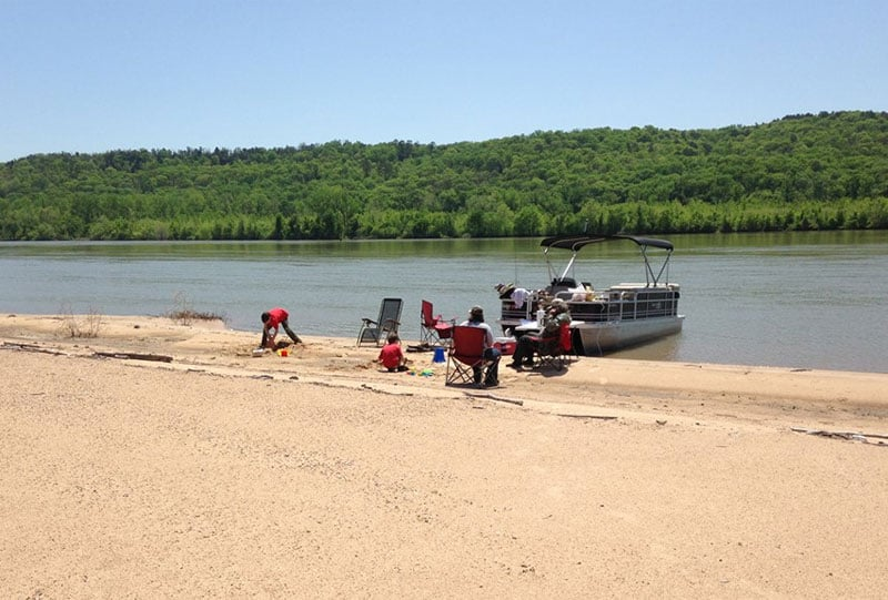 How to beach a pontoon boat or pull on shore