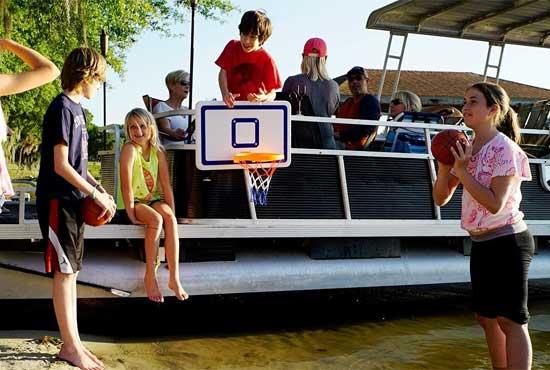 Pontoon boat basketball