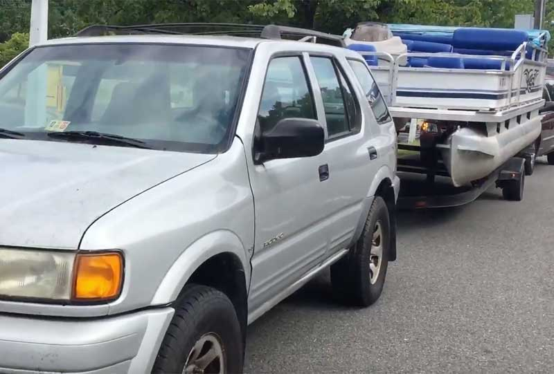 how to tow a pontoon boat with a minivan, jeep, or tacoma