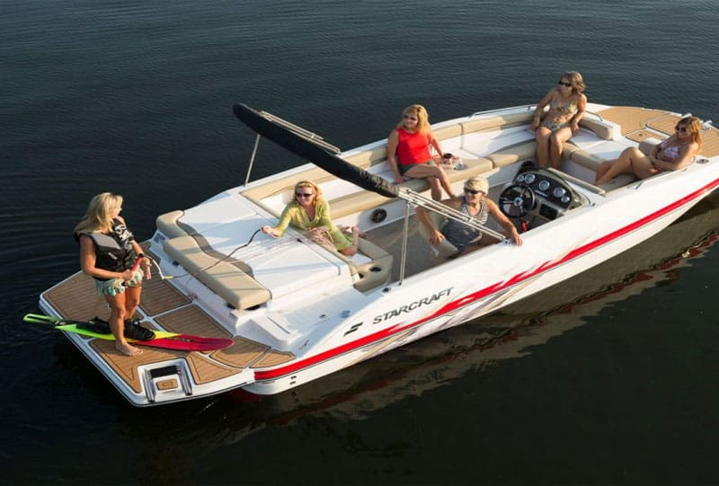How Much Do Deck Boats Weigh? Average Weights With 10 Examples