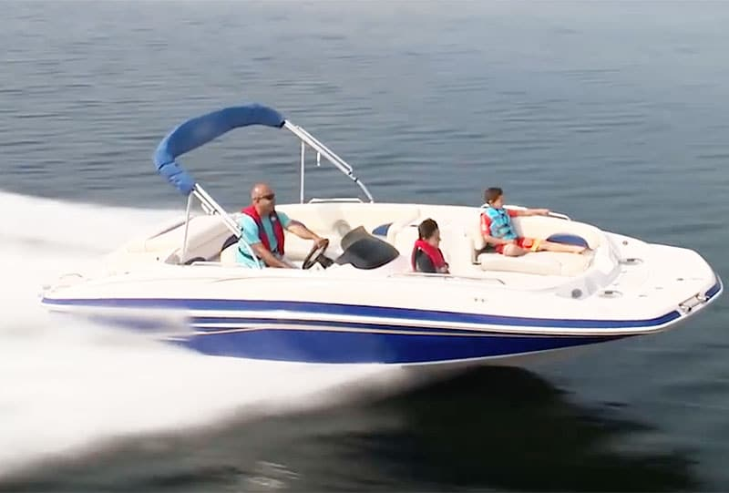 What is a Deck Boat and What Does it Look Like