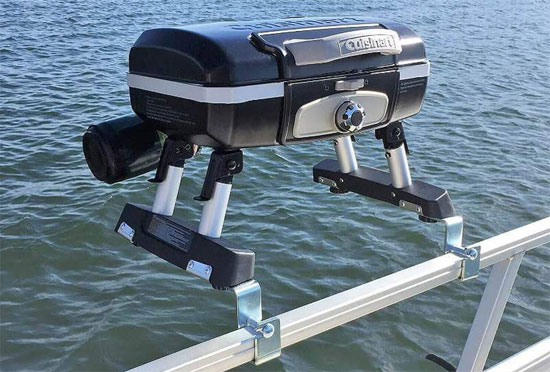 17 Tips For The Best Pontoon Boat Fishing Set Up Amp Layout