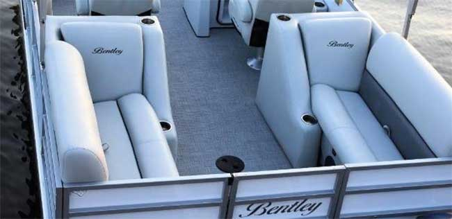 what to look for when buying a used pontoon boat