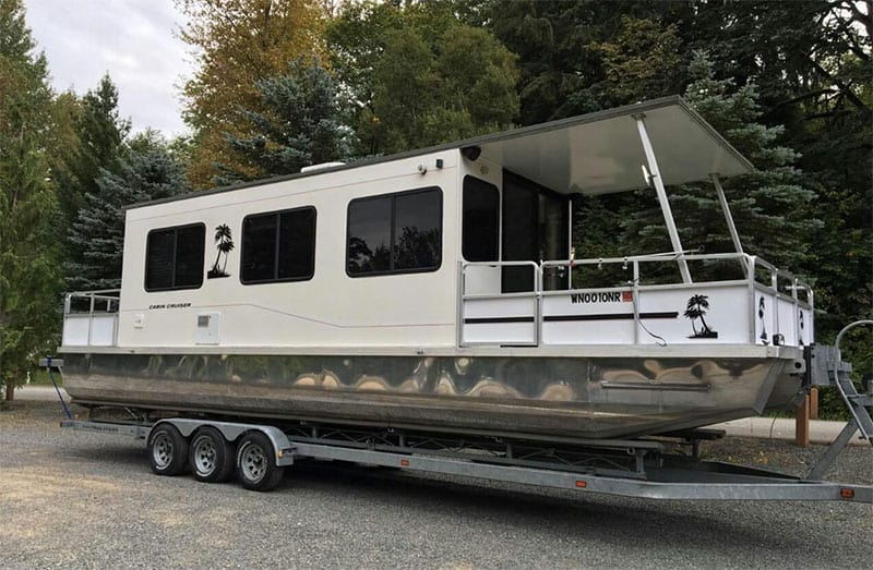 The Best Pontoon Boat with Cabins: Hybrids You Can Sleep On!