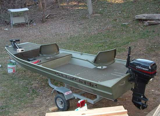37 Best Jon Boat Mods with Ideas for Decking, Seats, Fishing