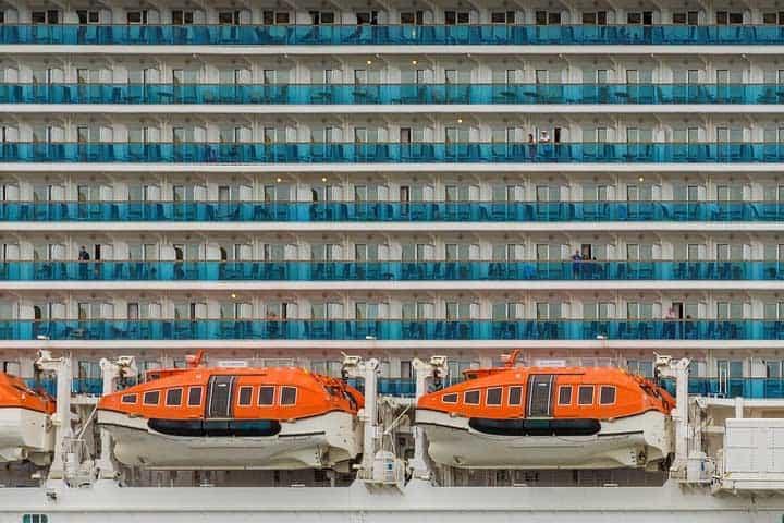 cruise ship life boat